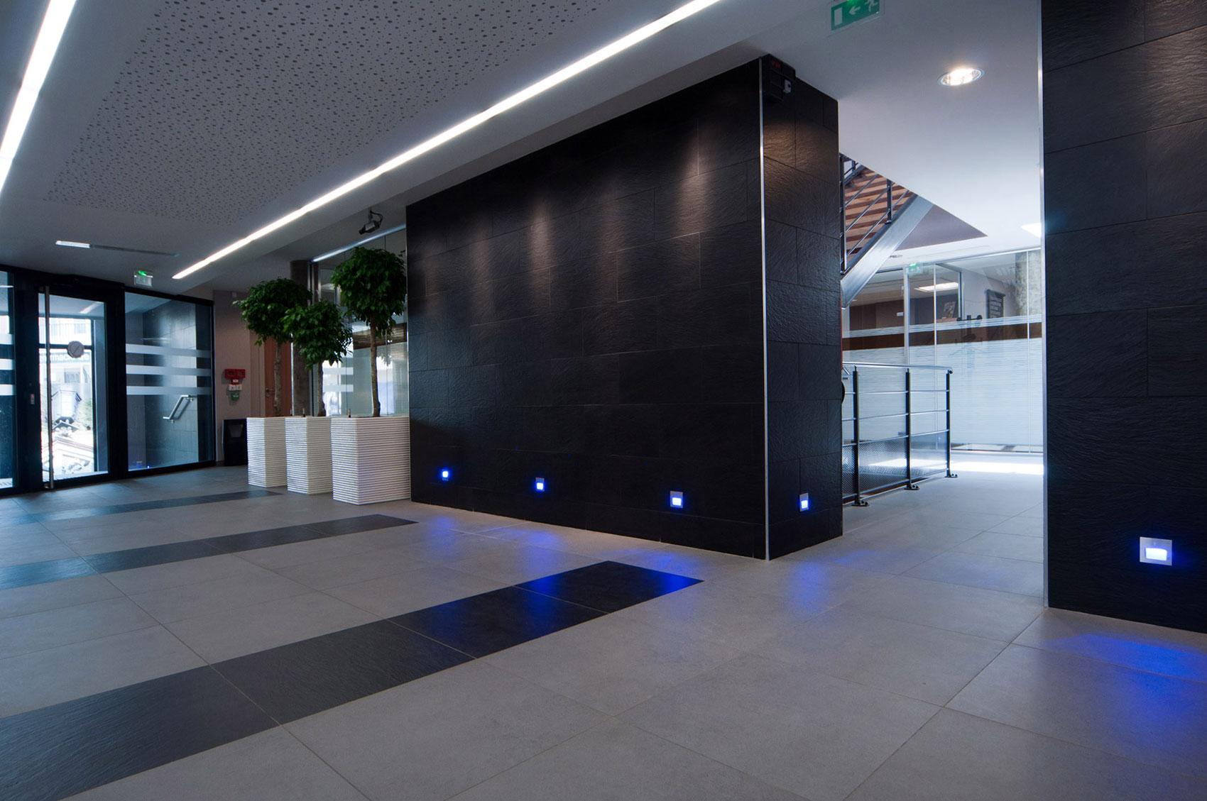 bureaux et commerces banc public architecture. Black Bedroom Furniture Sets. Home Design Ideas